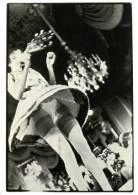 Woman Frontal View EROTIC FASHION UPSKIRT Sexy Long Legs Panties Girl Postcard - 01850 - Fashion