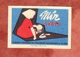 Tschechoslowakei, Streichholzschachtel-Etikett, Maedchen (53884) - Zündholzschachteletiketten