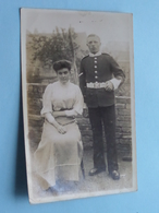 UK United Kingdom  - Soldier With Woman / Soldat > Identify Please - Anno 19?? ( Photo ?? ) ! - Guerre, Militaire