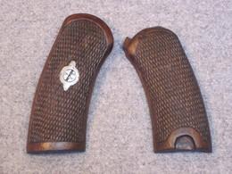 Plaquettes De Revolver 1873, D'origine, Avec Vis, France WW1. - Decorative Weapons