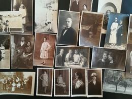 Lot De 20 Cartes Postales  Cartes  -  Photos Majoritairemnt à Dos Non - Divisé Surtout Des Cartes Centrées Sur Personnes - Cartes Postales