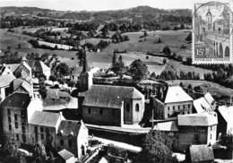 63-LATOUR-D'AUVERGNE- L'EGLISE ET LE BOURG VUE DU CIEL - Otros Municipios