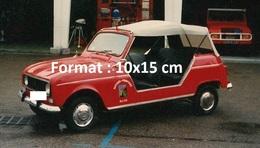 Reproduction D'une Photographie D'une Renault 4L Décapotable D'un Centre D'intervention De Secours Des Pompiers - Repro's