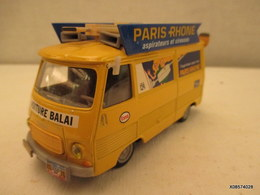 Voiture Miniature 1/43em NOREV Caravane Du Tour De France PEUGEOT J 7 Voiture Balai Peinture D'origine  Tres Bon Etat - Toy Memorabilia