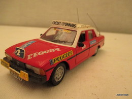 Voiture Miniature 1/43em NOREV Caravane Du Tour De France PEUGEOT 504   Peinture D'origine    Tres Bon Etat - Toy Memorabilia