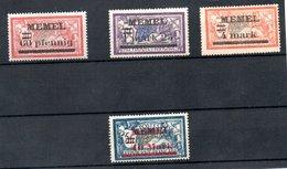 Memel / Lot De Timbres Anciens - Memel (1920-1924)