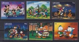 2305  WALT DISNEY   GRENADA GRENADINES  ( Traditioneles Holiday By The Characters Of Walt Disney ) - Disney