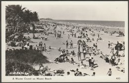 A Winter Crowd On Miami Beach, Florida, C.1950 - Mainzer RP Postcard - Miami Beach