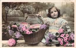 1er Avril - Poisson D'Avril, Petite Fille Poisson Et Bouquet De Fleurs (colorisée) - Erster April