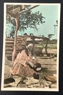 AK  VENEZUELA   MUJER  INDIGENA COCINANDO  INDIAN WOMAN DOING HER COOKING - Venezuela