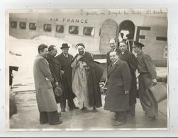 AEROPORT DU BOURGET PHOTO DE PRESSE DE L'ARRIVEE DU CHEIK EL ARAB - Célébrités