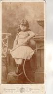 Photo N° 29 - Fabronius Bruxelles - Enfant Jeune Fille Assise -  Format 21 X 10 Cm - Photos