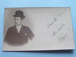 Man / Homme ( Fotokaart ) From Bruxelles > Stamp Fontaine L'Evêque > 1904 ( Zie Foto Details ) ! - Photographs