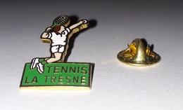 Pin's Tennis / La Tresne (EGF Doré) - Tennis