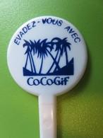 097 - Touilleur - Agitateur - Mélangeur à Boisson - Liqueur De Giffard - Cocogif - Evadez-vous - Swizzle Sticks