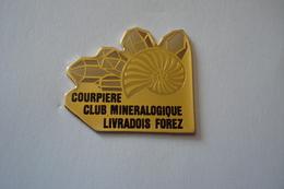 20180706-1902 AUVERGNE PUYS DE DOME COURPIERE « CLUB MINERALOGIQUE LIVRADOIS FOREZ » - Cities