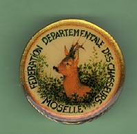CHASSE *** FEDERATION DE MOSELLE *** BROCHE *** - Badges