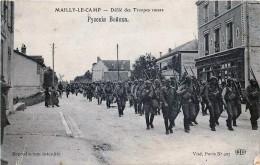 Guerre  14/18 - Défilé Des Troupes Russes à Mailly-le-Camp - Guerra 1914-18
