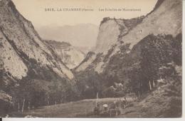 D73 - LA CHAMBRE - LES ECHELLES DE MONTAIMONT - (PLUSIEURS PERSONNES AU BAS DE LA CARTE) - Andere Gemeenten