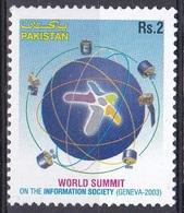 Pakistan 2003 Gesellschaft Information Kommunikation Communication Satelliten Satellites WSIS Genf, Mi. 1182 ** - Pakistan
