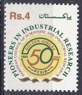 Pakistan 2003 Wirtschaft Economy Industrie Industry Wissenschaft Science Forschung Research, Mi. 1144 ** - Pakistan