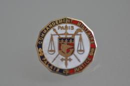 REF M4  : Pin's Pin  : Commandement Militaire Palais De Justice Paris - Police