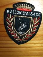 ECUSSON   TOURISTIQUE   BALLON D'ALSACE - Escudos En Tela