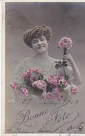 """CARTE FANTAISIE. """" BONNE FÊTE """" . PORTRAIT DE JEUNE FEMME .ANNEE 1909. PHOTO D'ART SAZERAC - Femmes"""