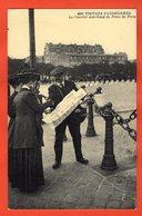 75 - PARIS - FIGURES PARISIENNES - LE CAMELOT MARCHAND DE PLANS DE PARIS - Artesanos De Páris