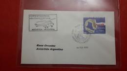 L'Argentine Une Correspondance Depuis Antartida Transportée Par Hélicoptère - Cartas
