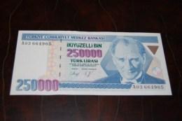 1992 Türkei 250,000  Lira  / 7. Emisyon 1. Tertip Serie : A  / UNC - Turquie