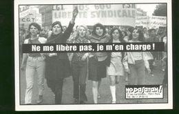 "Carte Postale Feminisme / No Pasaran "" Ne Me Libere Pas Je M'en Charge "" - Unclassified"