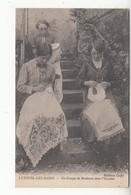 70 - Luxeuil-les-bains - Un Groupe De Brodeuses Dans L'escalier - Luxeuil Les Bains