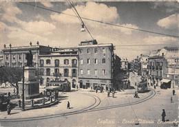"""07987 """"CAGLIARI - CORSO VITTORIO EMANUELE"""" ANIMATA, TRAMWAY, LIBRERIA, NEVE. CART SPED 1956 - Cagliari"""