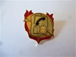 PINS 18 SAPEURS POMPIERS  / 33NAT - Firemen