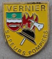 SAPEURS POMPIERS VILLE DE VERNIER - GENEVE - SUISSE - CASQUE - HACHE - FEU  -              (20) - Firemen