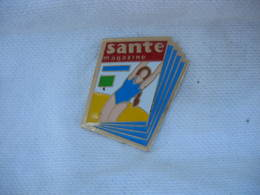 Pin's Du Magazine SANTE - Medias