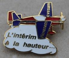 AVION A HELICE ROUGE ET BLEU - L'INTERIM A LA HAUTEUR ... - NOVASAM - OVASAM      (20) - Airplanes