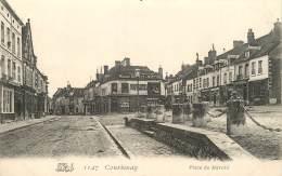 COURTENAY PLACE DU MARCHE - Courtenay