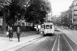 Bruxelles. Porte De Hal. SNCV Brabant. Ligne V. Cliché Jacques Bazin. 06-08-1961 - Trains