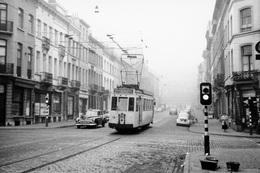 Bruxelles. Schaerbeek. Rue Royale Derrière L'église Saint-Marie. SNCV Brabant. Cliché Jacques Bazin. 13-02-1959 - Trains