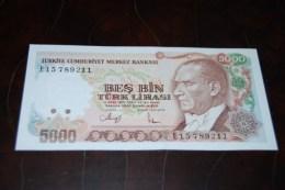 1988 Türkei 5000 Lira  / 7. Emisyon 3. Tertip Serie : E  / UNC - Turquie