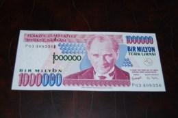 2002 Türkei 1,000,000  Lira  / 7. Emisyon 3. Tertip Serie : P  / UNC - Turkey