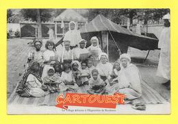 CPA 33 L'Exposition De Bordeaux 1907 - Le Village Africain - Famille Noire Scènes Et Types - Afrique