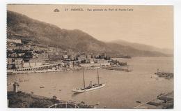 MONACO - N° 27 - VUE GENERALE DU PORT AVEC BATEAU ET MONTE CARLO - CPA NON VOYAGEE - Puerto