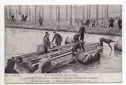 - CPA MILITAIRES - Sur Le Canal De L'Yser - Construction D'un Radeau Par Les Fusillers Marins (belle Animation) - - Personnages