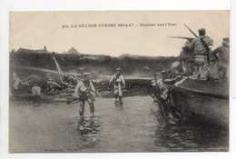 - CPA MILITAIRES - LA GRANDE GUERRE 1914-17 - Combat Sur L'Yser - Photo Baudinière 912 - - War 1914-18