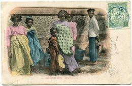 MADAGASCAR CARTE POSTALE DE DIEGO-SUAREZ -A LA FONTAINE DEPART -20- 18 JUIN 06 MADAGASCAR POUR LE TONKIN - Madagascar (1889-1960)