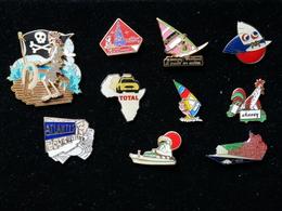 Pin's Lot De 10. Disney, Atlantis, Total, Windsurf, Etc... - Badges
