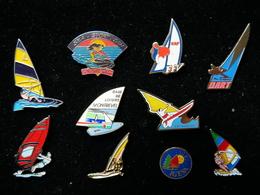 Pin's Lot De 10. Voile, Windsurf, Jetski, Dart,... - Badges